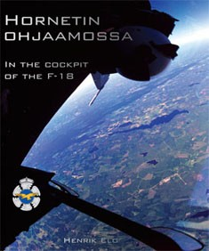 Hornetin ohjaamossa = In the cockpit of the F-18, Henrik Elo