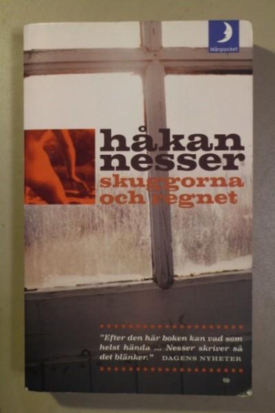 Skuggorna och regnet, Håkan Nesser
